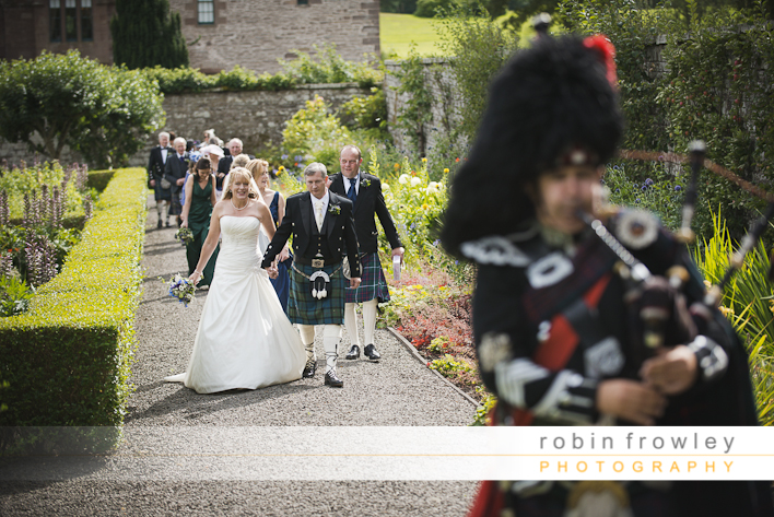 Wedding Photographer Edinburgh: Guthire Castle